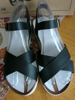 CHARLEY SANDAL BY DIRTY LAUNDRY - BLACK & WHITE - SIZE 9 NEW