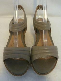NWOB Clarks Taupe Brown Leather Suede Platform Wedge Straps