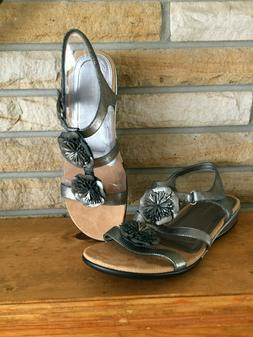 Easy Spirit Silver ~ Gray Sandals Size 11W  ~NEW ~
